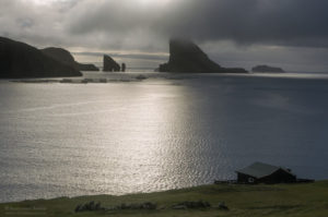 Wyspy Owcze, widok na Tindhólmur