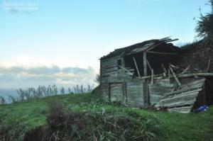 Azory. Sao Miquel - droga do latarni morskiej z Ponta do Arnel
