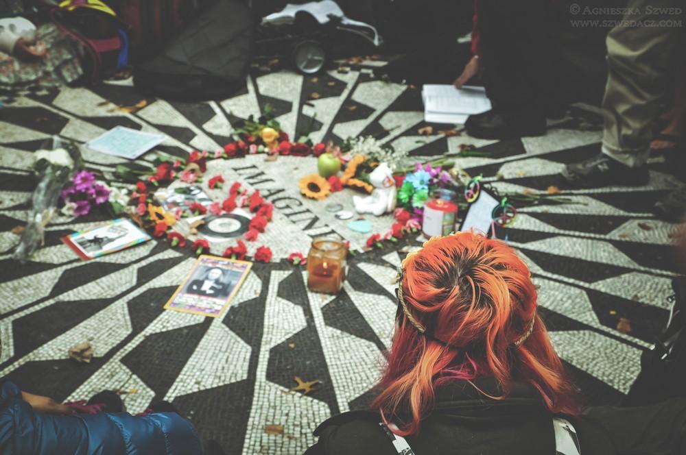 Nowy Jork - rocznica urodzin Johna Lennona wCentral Parku