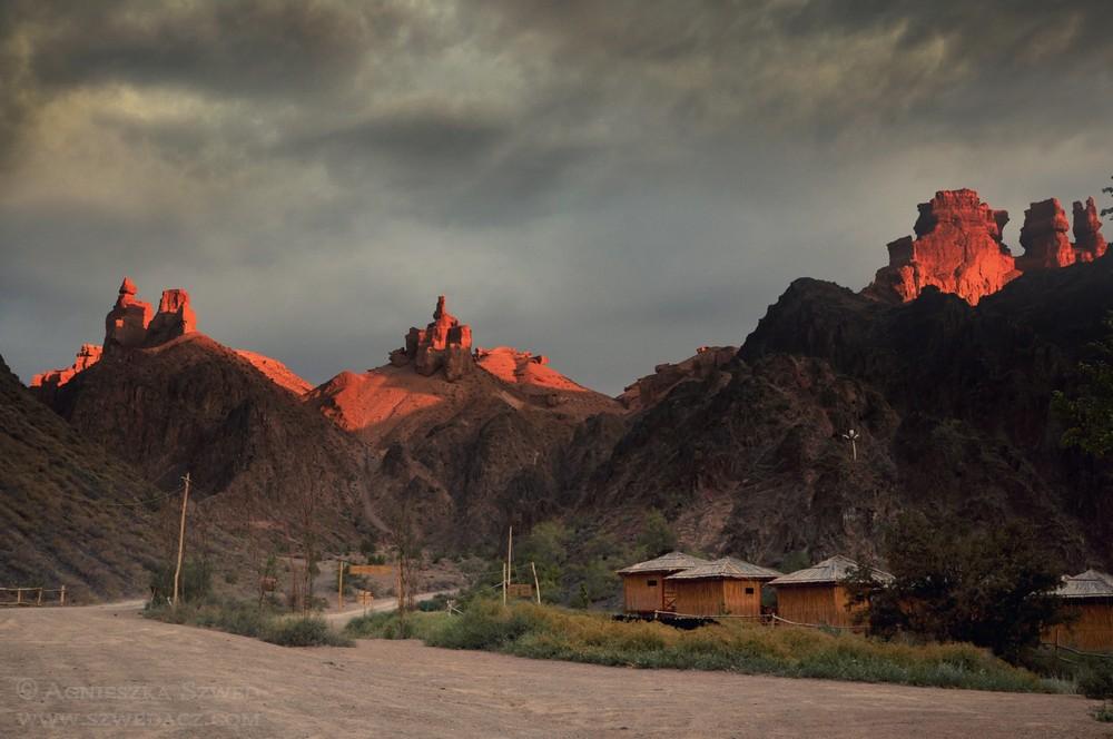 W Kanionie Szaryńskim – Dolina Zamków i Ujgurzy