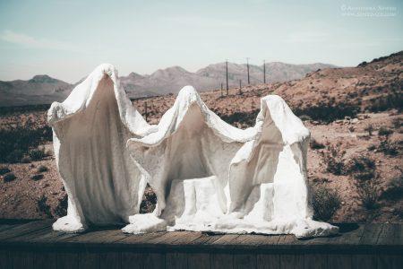 Rhyolite – sztuka w opuszczonym mieście Doliny Śmierci