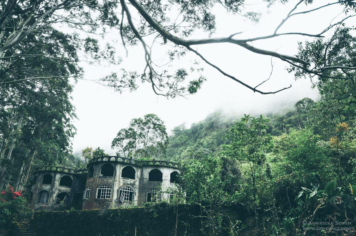 Opuszczony pałac w Bajo Mono, okolice Boquete - Panama