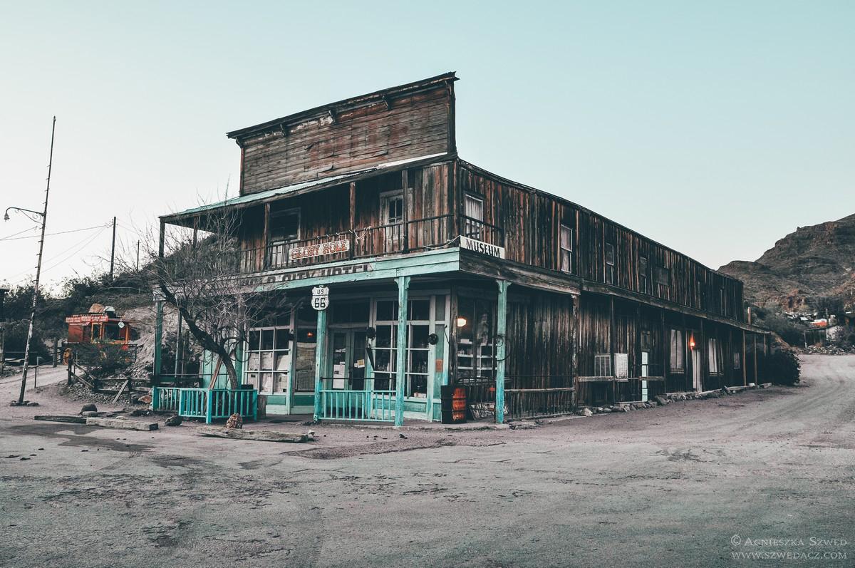 Oatman – ghost town i dziewczyna z tatuażem