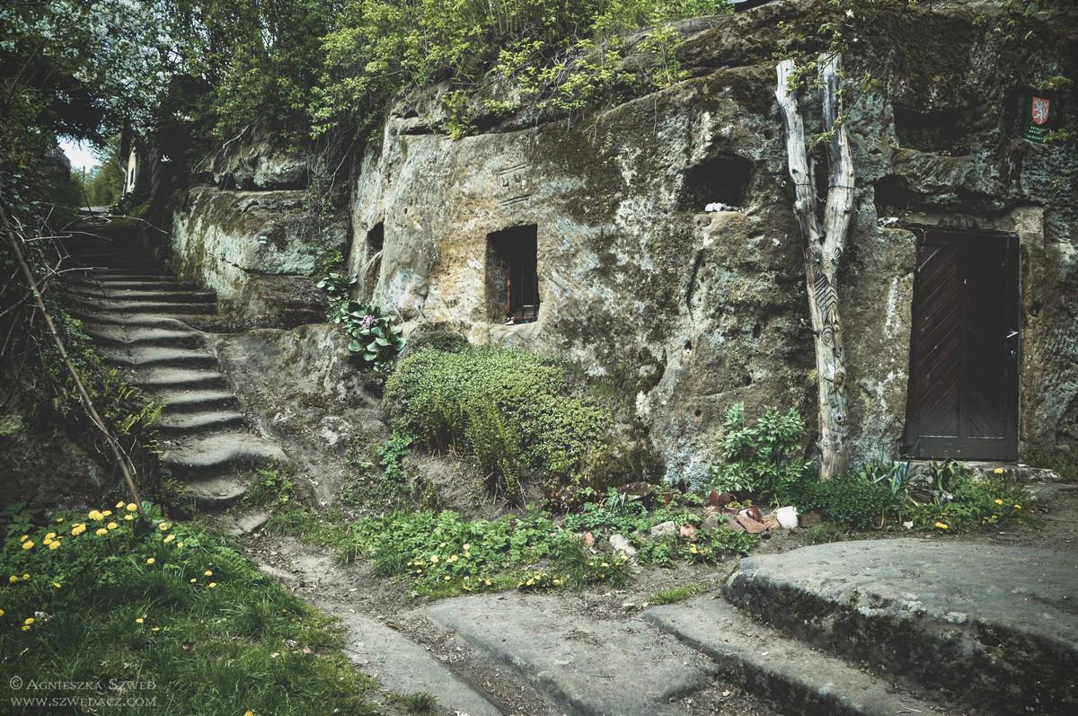 Opuszczone skalne domy w Czechach - Kokorinek