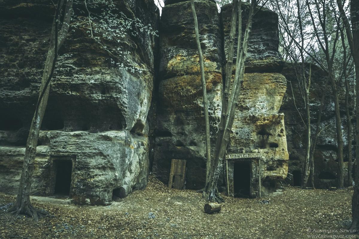Opuszczone skalne domy w Czechach - Rozbořenka