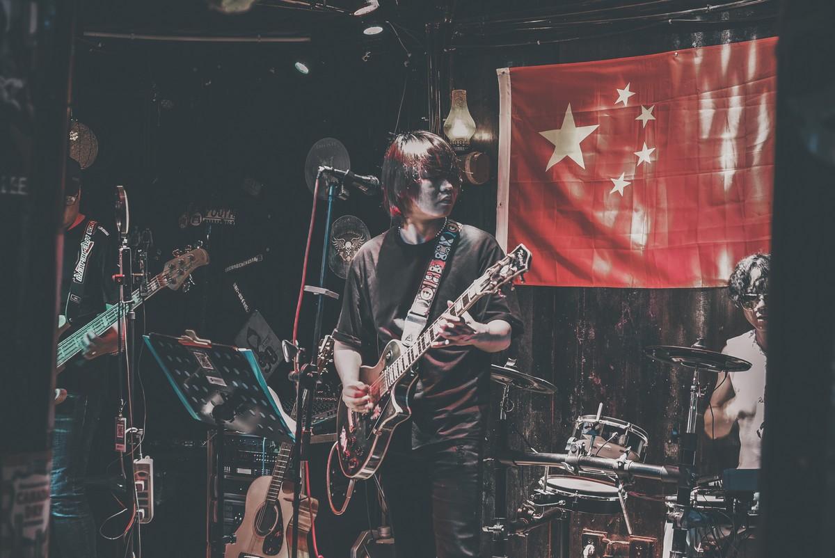 Jeden z licznych koncertów w Fenghuang