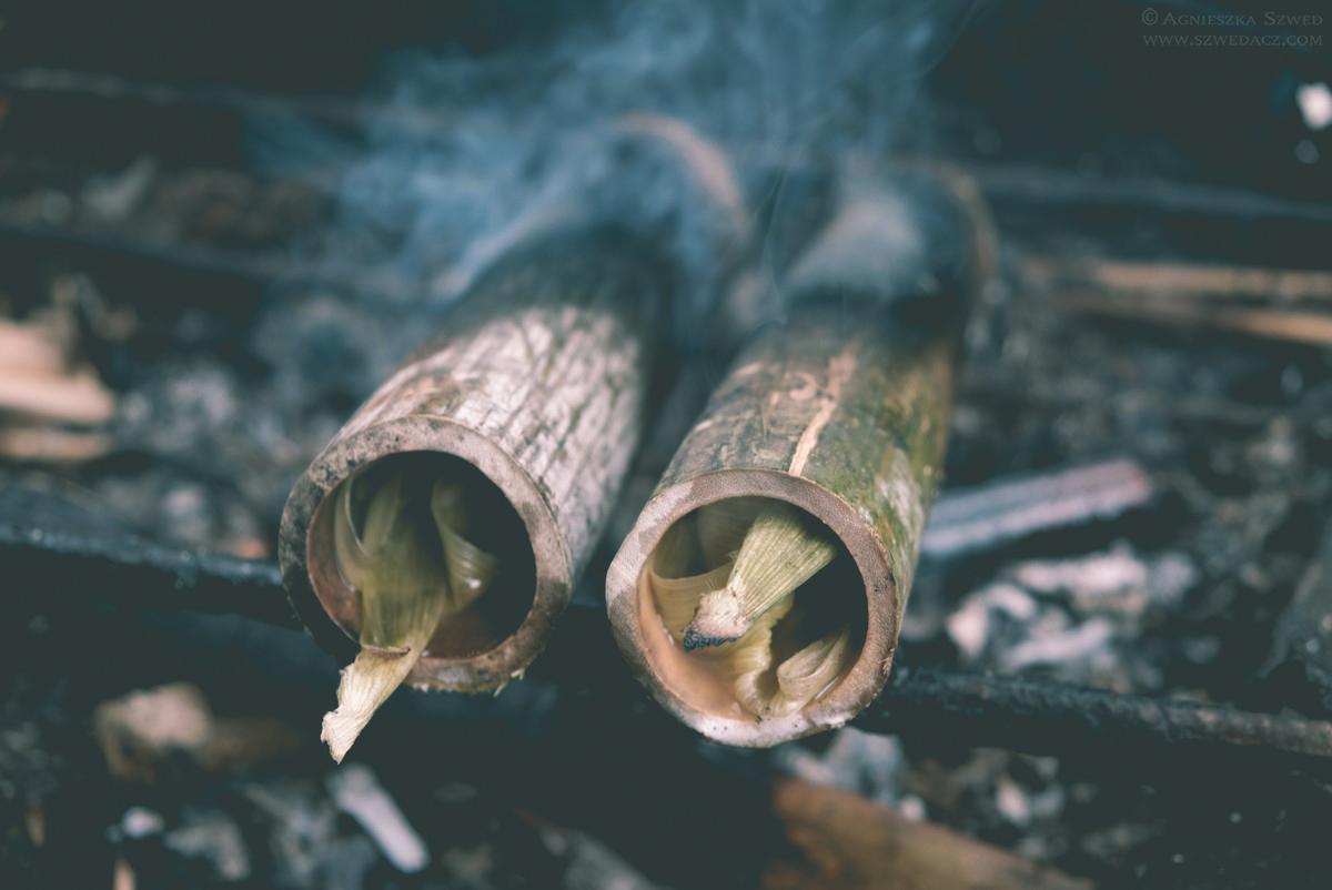 Lemang - ryż opiekany w bambusie to lokalny przysmak